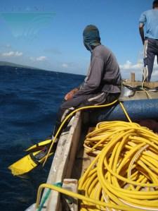 nelayan ikan hias