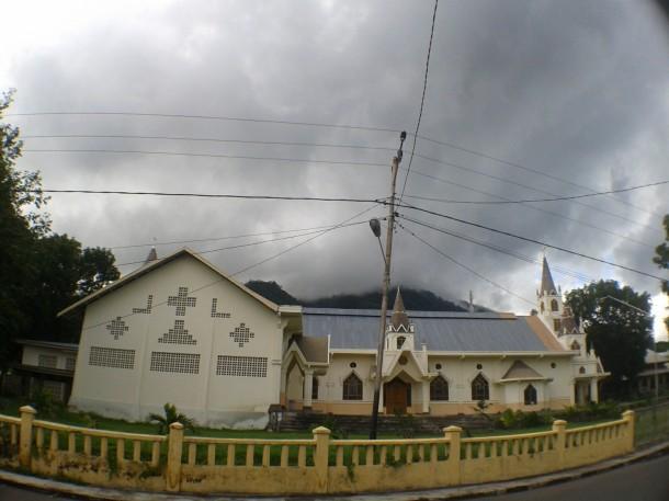 gereja katedral larantuka